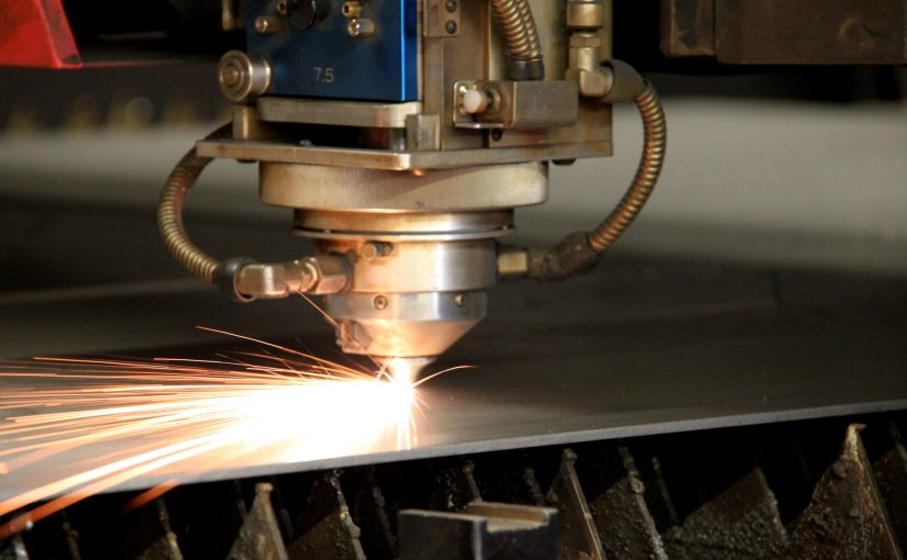 5 Reasons to Choose Laser Cutting for Sheet Metal Fabrication